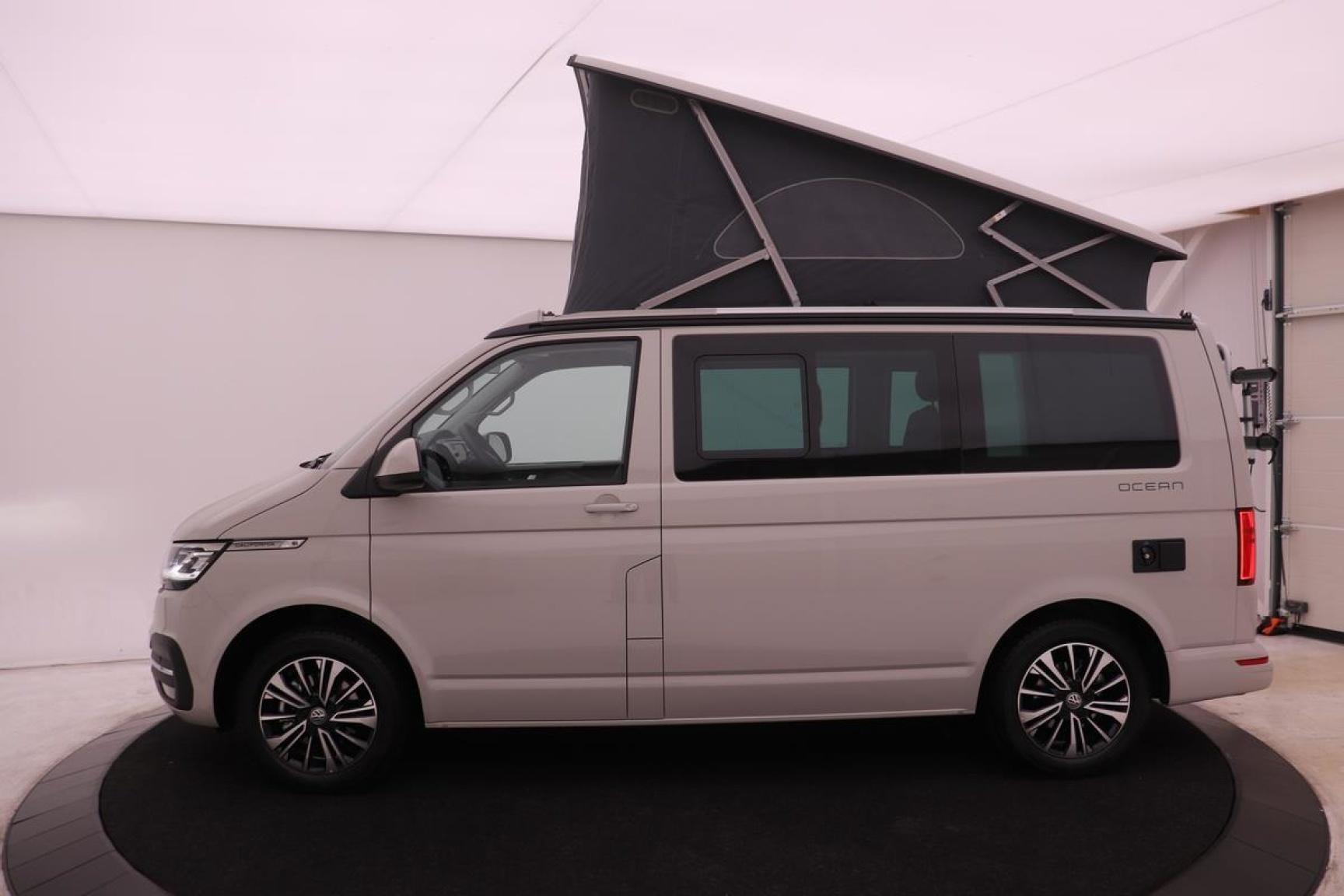 Volkswagen-Camper-40