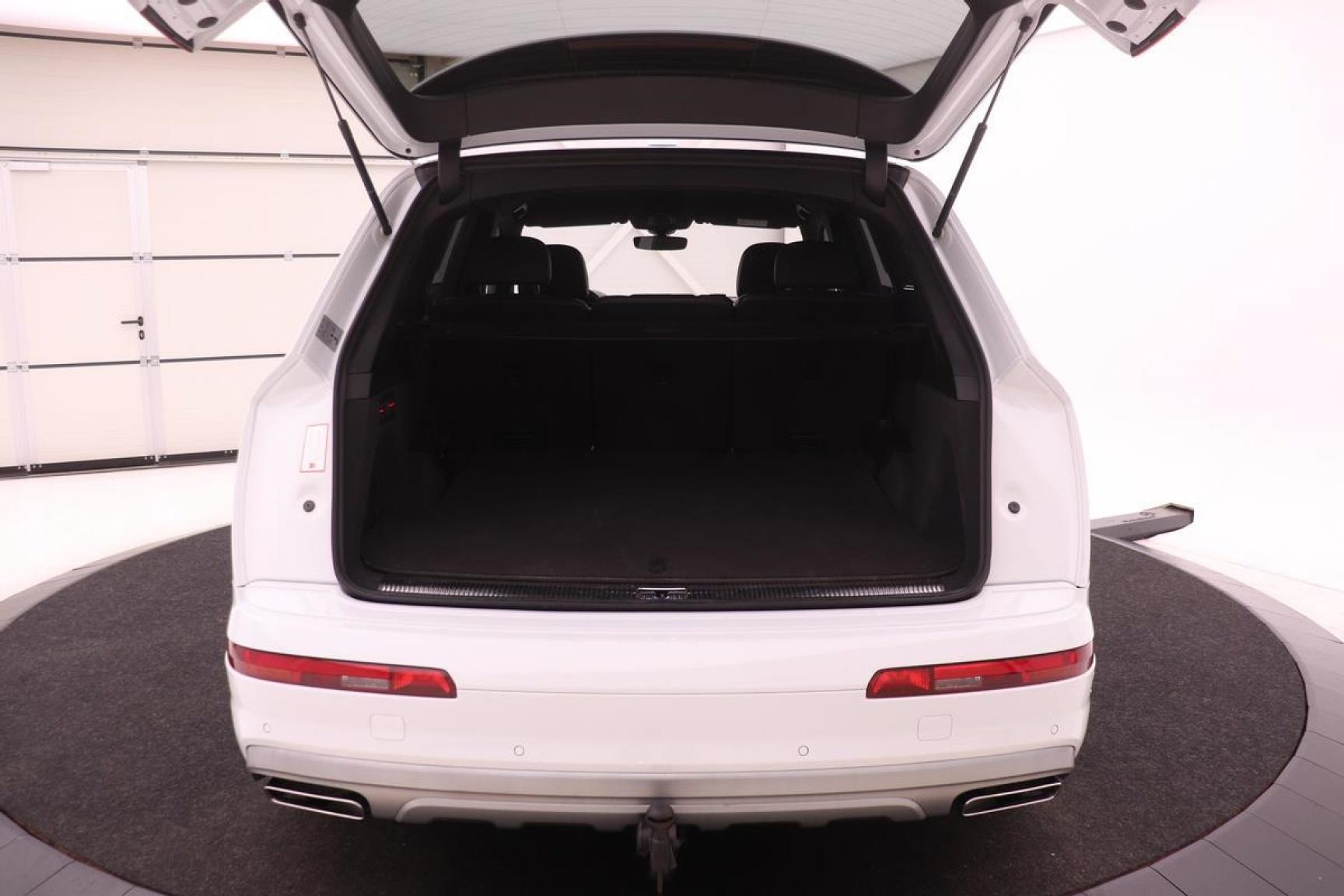 Audi-Q7-37