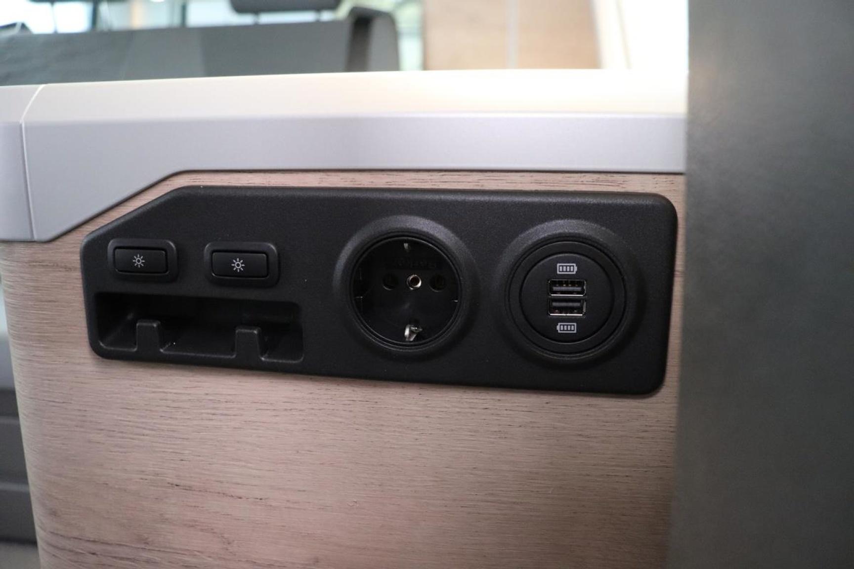 Volkswagen-Camper-36