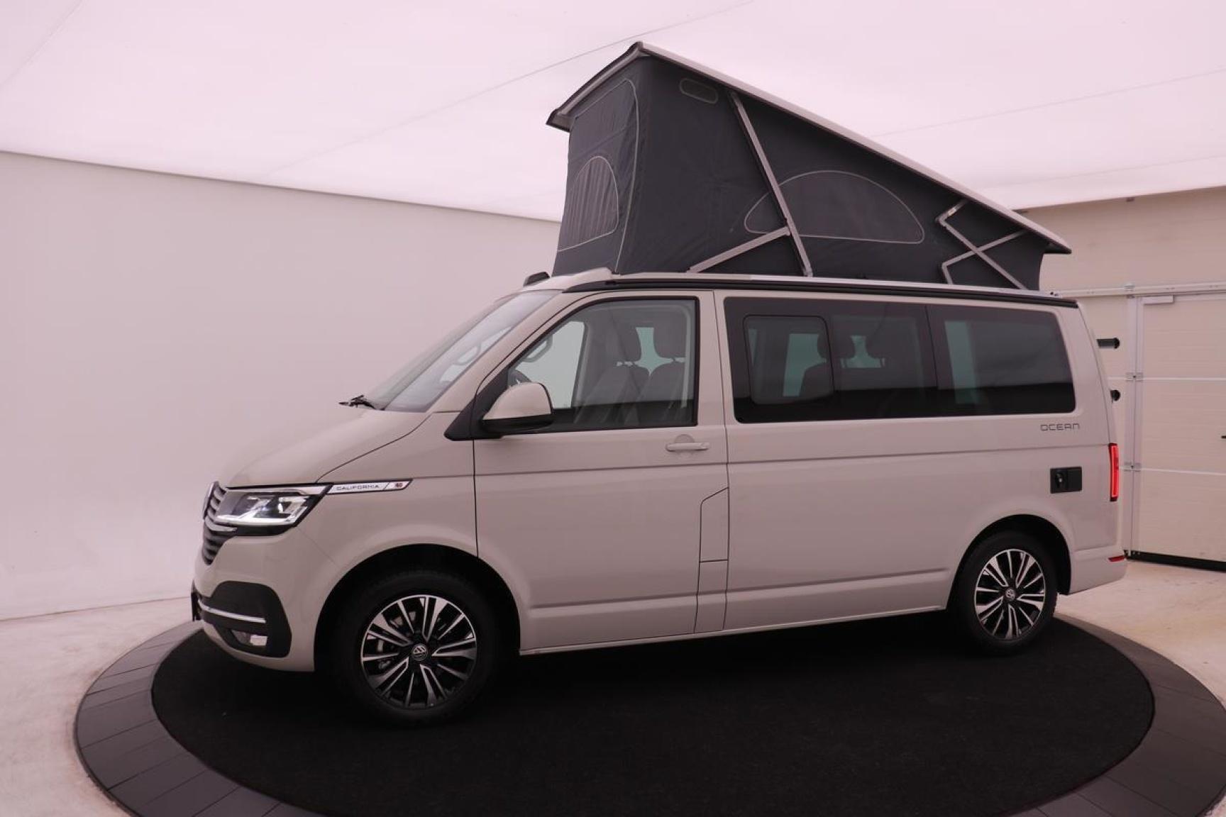 Volkswagen-Camper-41