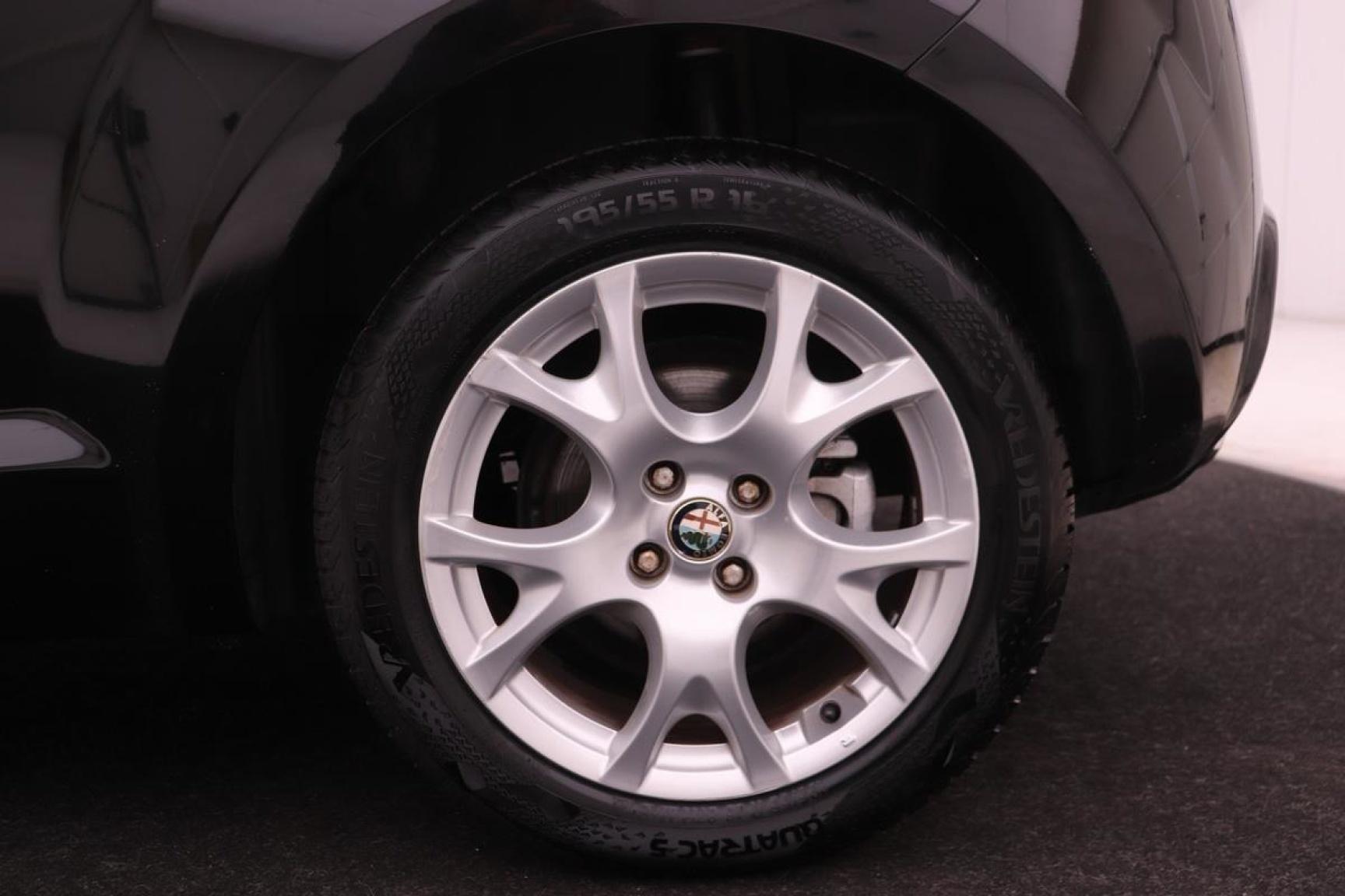 Alfa Romeo-MiTo-16