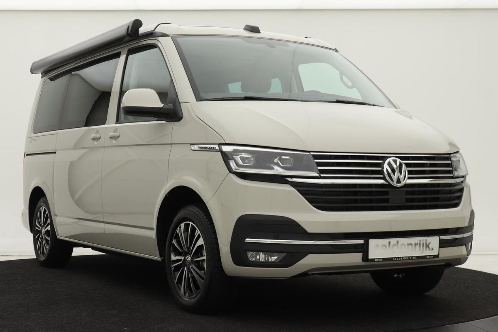 Volkswagen-Camper-44