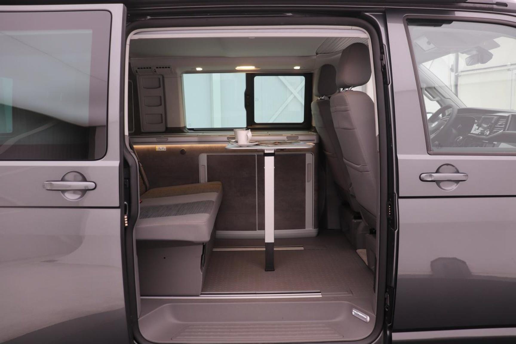 Volkswagen-Camper-20