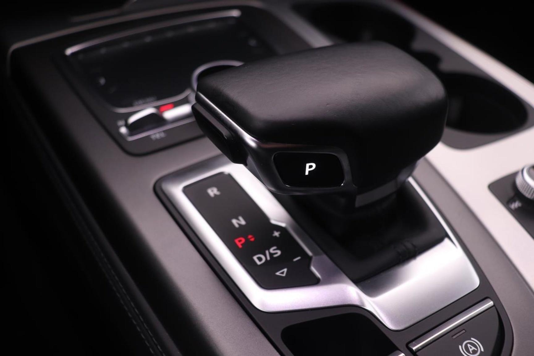Audi-Q7-12