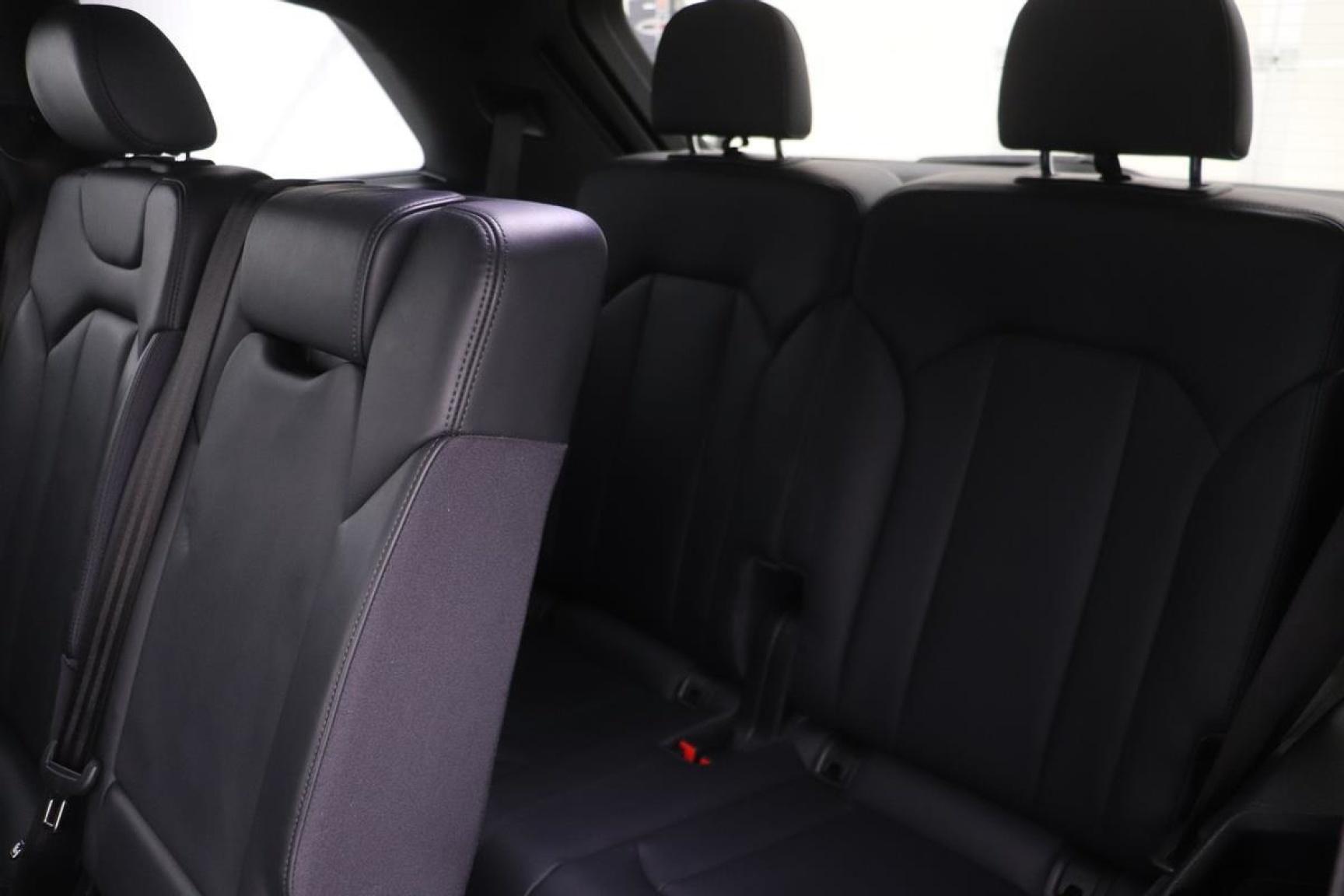 Audi-Q7-33