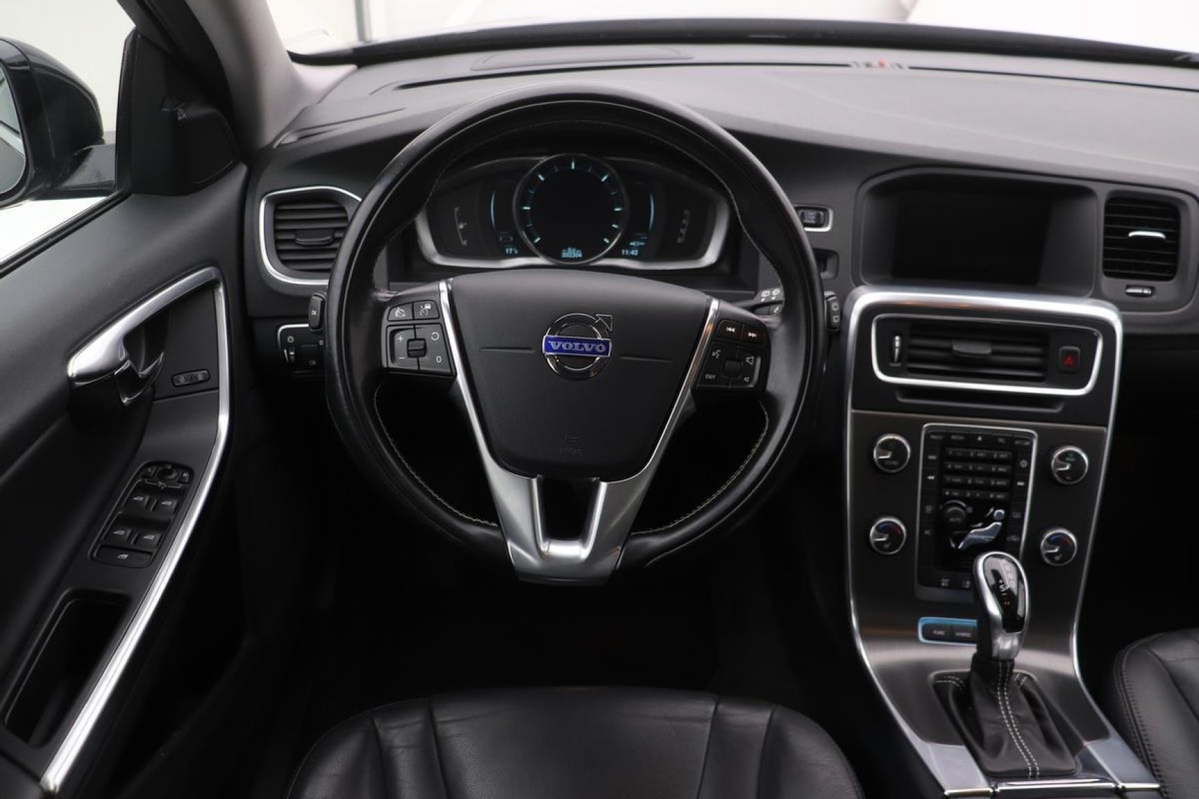 Volvo-V60-2