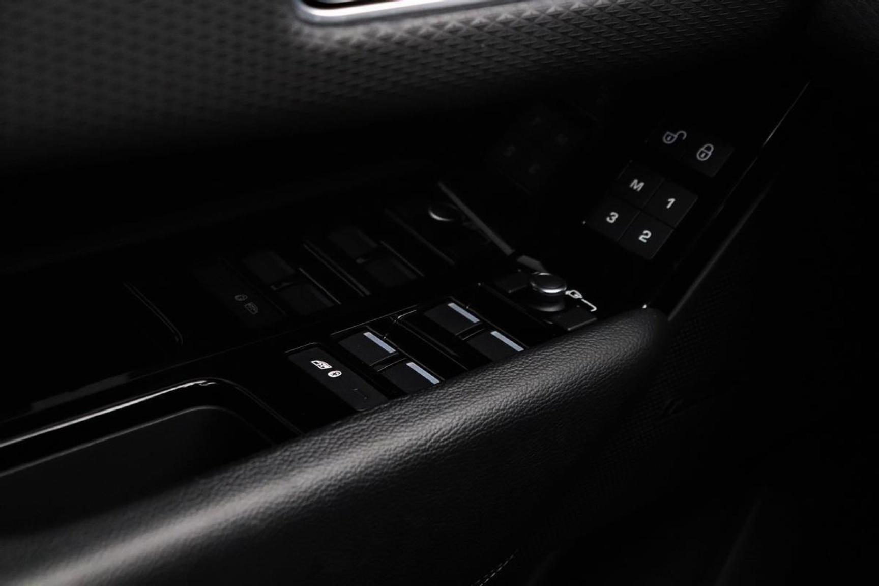 Land Rover-Range Rover Velar-7